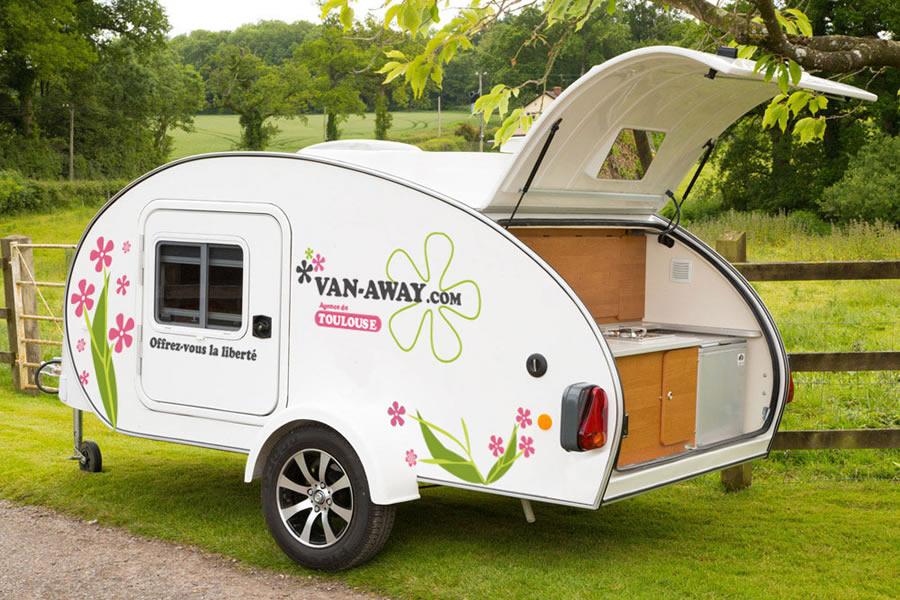 location mini caravane caretta. Black Bedroom Furniture Sets. Home Design Ideas